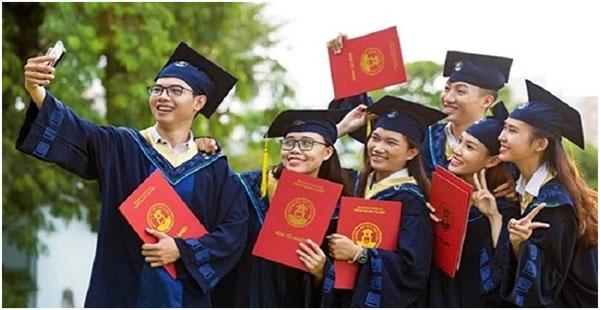 Tại sao nhiều người muốn làm bằng cao đẳng Đại Việt Sài Gòn 03